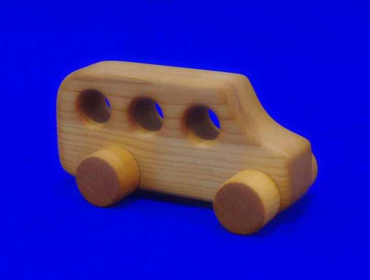 木のおもちゃ(バス)